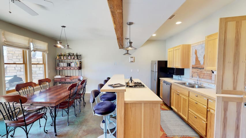 Luxury Condo in Moab, Minutes from Arches. MSR3