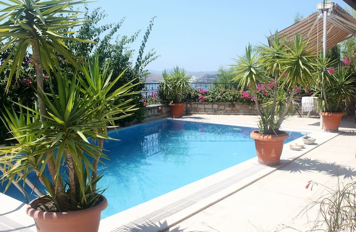 Villa private pool sleeps 7 - wheelchair friendly - Bodrum - Appartement