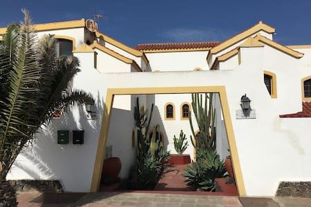 private double room, bath and kitchen. - La Oliva - Loft