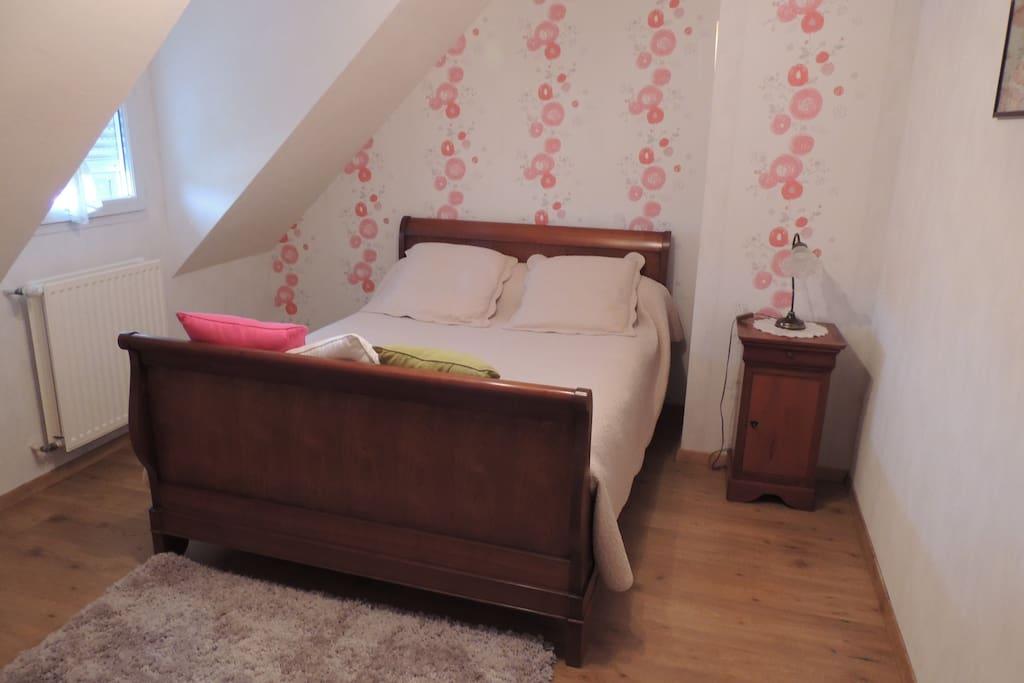 chambre lumineuse pr s de rennes case in affitto a. Black Bedroom Furniture Sets. Home Design Ideas