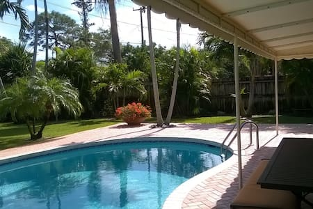 Spacious, fully equipped Cottage - Fort Lauderdale