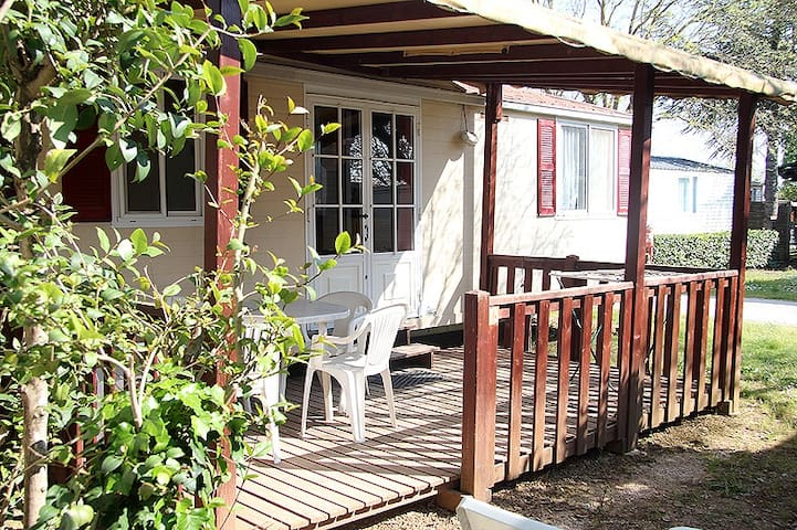 Mobil-home 4 places, Camping les Amandiers