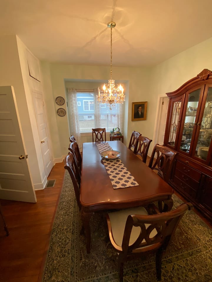 ARLINGTON HOUSE - Yellow Room