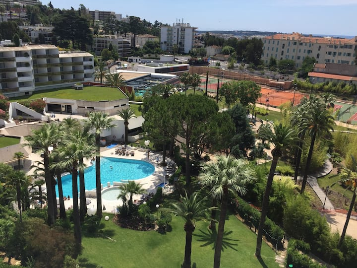 Cannes sporting club with sea view/ 13 pax