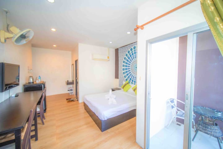 Welcome Long rent# Luxury Rom# Balcony#Near  Beach