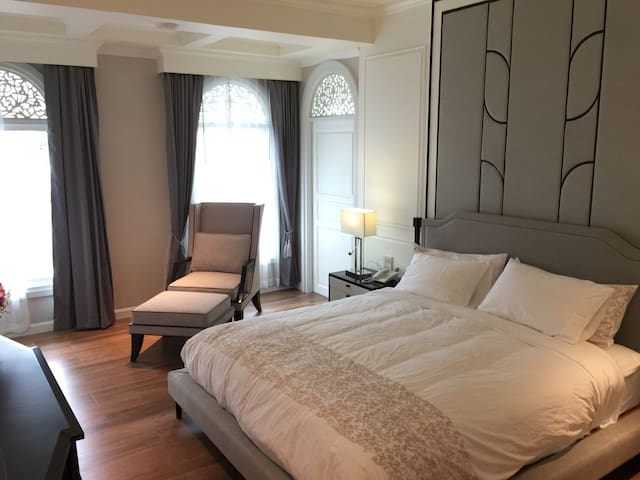 NirvaNAN Luxury Homestay - Grand Deluxe Balcony