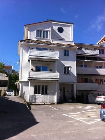 Stor leilighet midt i sentrum - Grimstad - Lägenhet