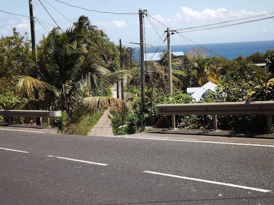 accès du  depuis la RN4 avant l'entrée de la plage de petit havre