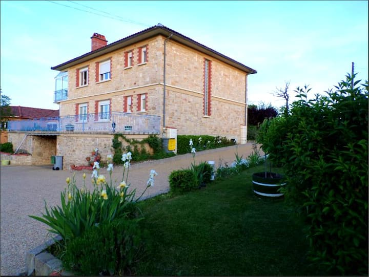 Apartment with 3 bedrooms in Toulonjac, with enclosed garden and WiFi - 60 km from the beach