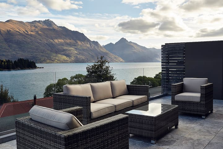 Lucky #8 Penthouse - Queenstown - Apartament