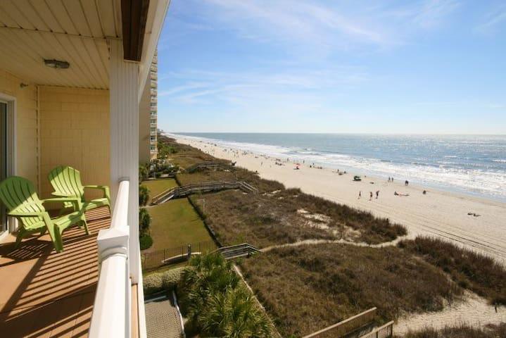 Beautiful oceanfront condo 7 bed 5.5 bath large corner unit with amazing views! - North Myrtle Beach - Flat