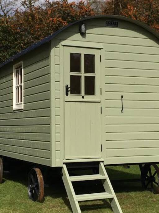 Green mountain hut