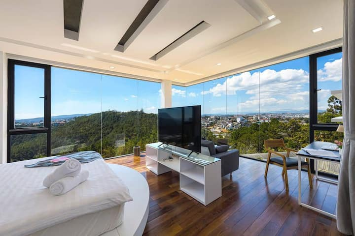 ☼ Q&P Villa ☼ 60m2 Balcony Suite w/ BKFST ☼ Forest View ☼