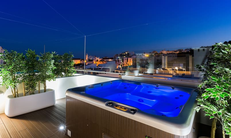 Beach Luxury Penthouse Priv Jacuzzi 2 by D_Loft