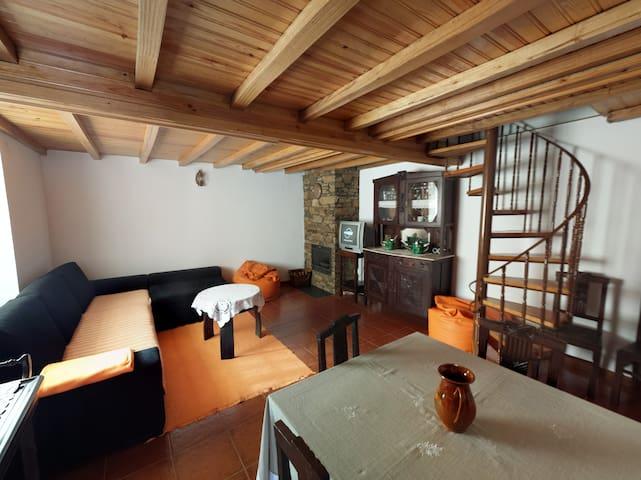 Casa d'Amoreira - Soito, Góis - AL - Colmeal - Rumah