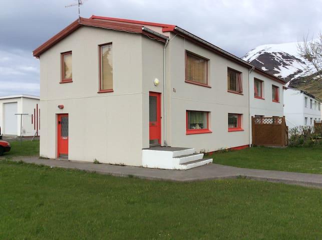 Good apartment at Ólafsvegur 24. 625 Ólafsfjördur - Ólafsfjörður - Apartamento