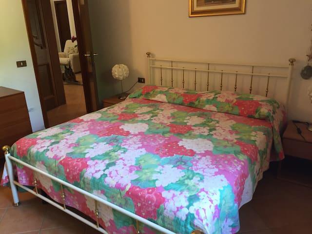Pink Room Between Sea and Vineyard