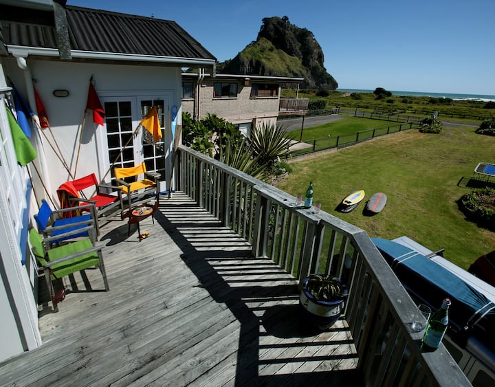 Piha beach house, surfers haven