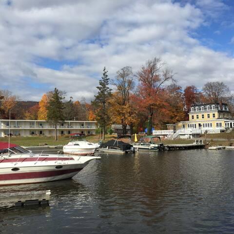 Antons on the lake - Greenwood Lake - Bed & Breakfast
