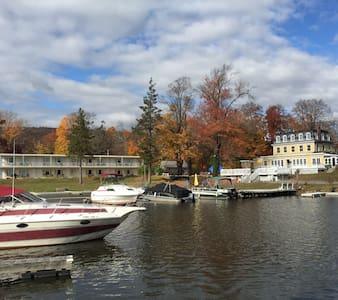 Antons on the lake - Greenwood Lake