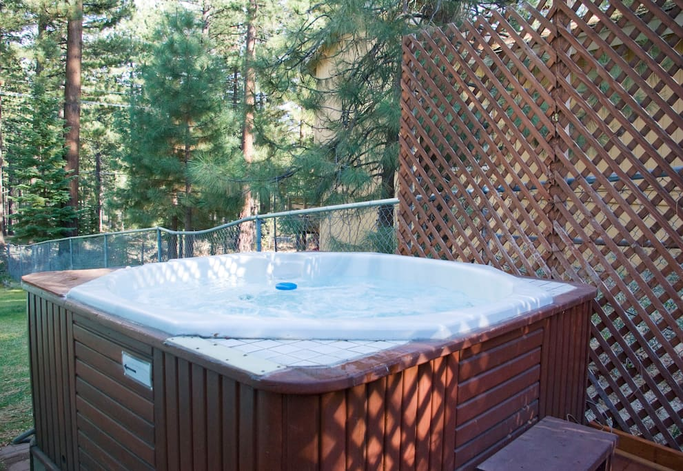 Jacuzzi to Warm the Memories of Your Vacation
