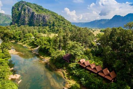 SpringRiver Resort   Riverview Bungalow TRIPLE