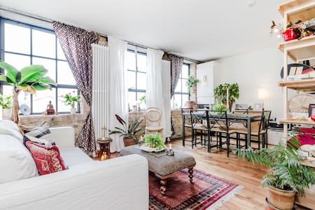 Eclectic 1 Bed near Victoria Park