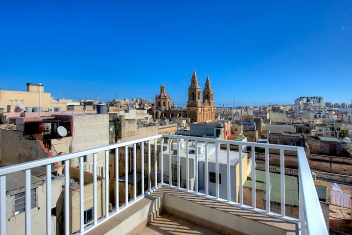 Stunning City Views Sliema duplex Penthouse