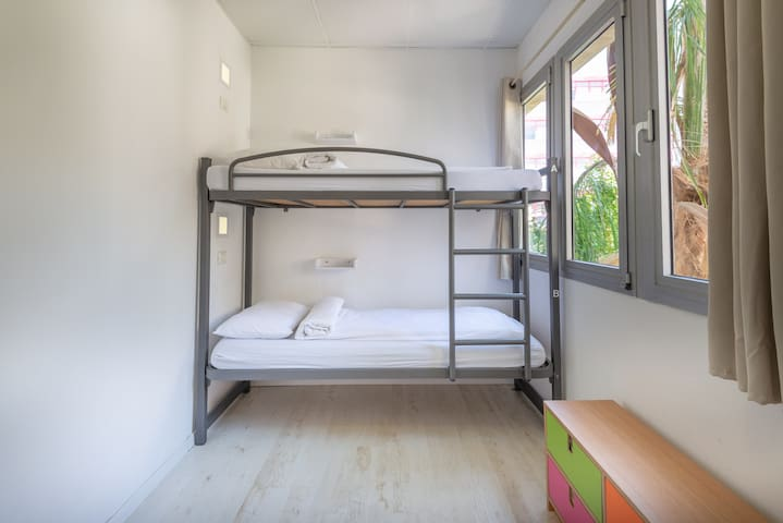 Little Tel Aviv- A Bed in a 4 beds Female Dorm