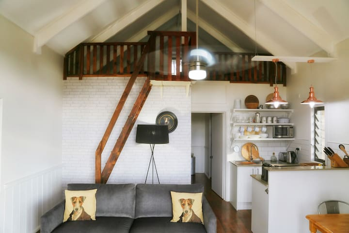 Beautiful, relaxing river cabin - Tinonee - Houten huisje