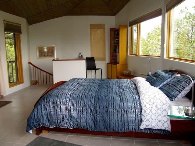 Bedroom loft (2nd floor)