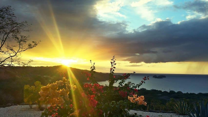 Breathtaking Panoramic Pacific View - Playa Hermosa - House