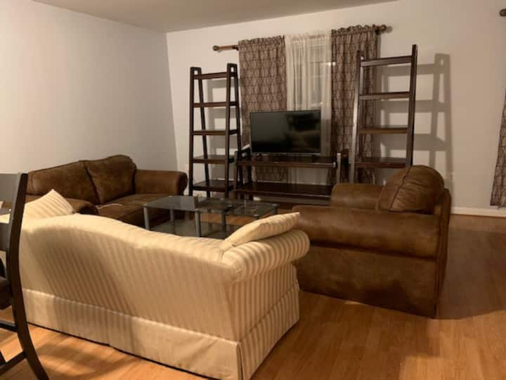 Room in TH a few minutes from Dulles airport