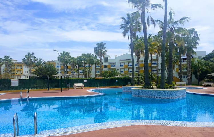 BEAUTIFUL APARTMENT OLIVA NOVA - AVAILABLE MET