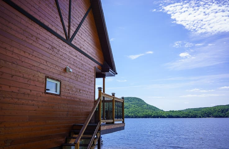Lake House Insane Views - Labelle - Chatka
