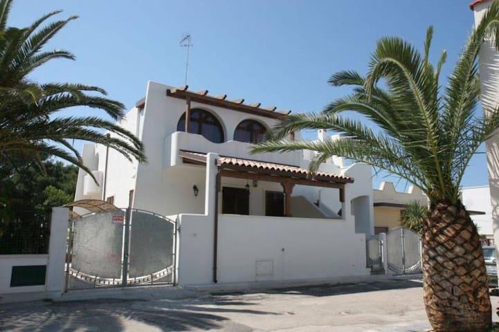 Villa Sissi Alto Salento a 50m dal mare - Specchiolla - Hus