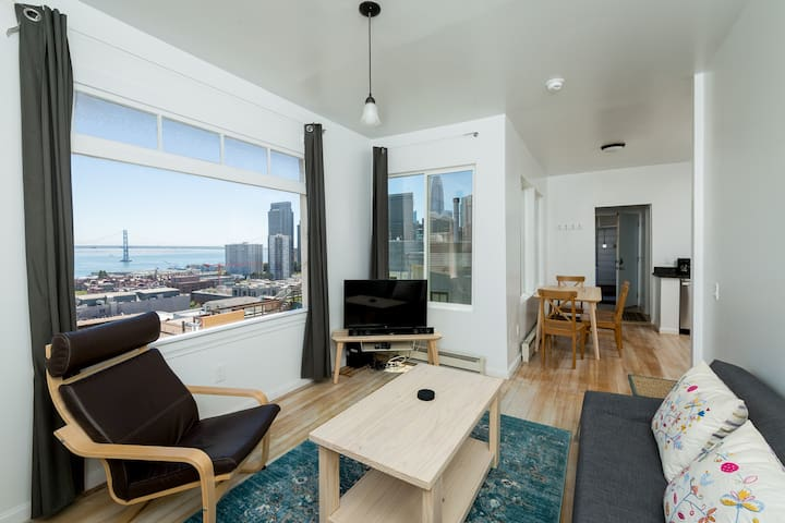 Modern North Beach 1 Br. w/ Fantastic Views