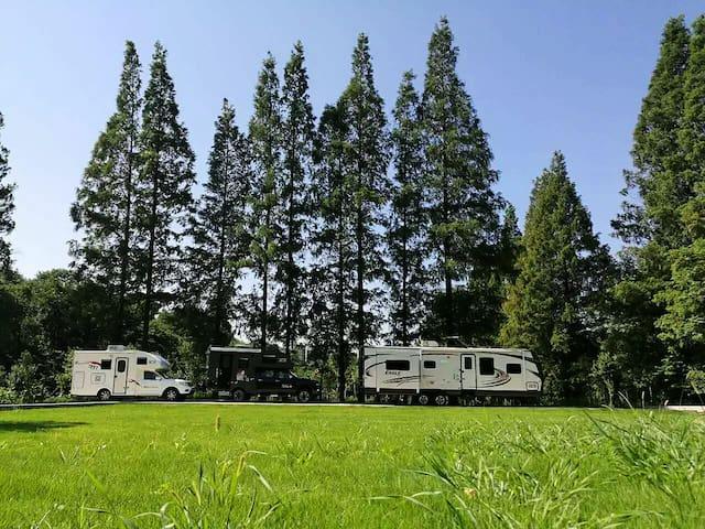 烟树--澳洲帝盛房车家庭房车  中山景区行者房车营地