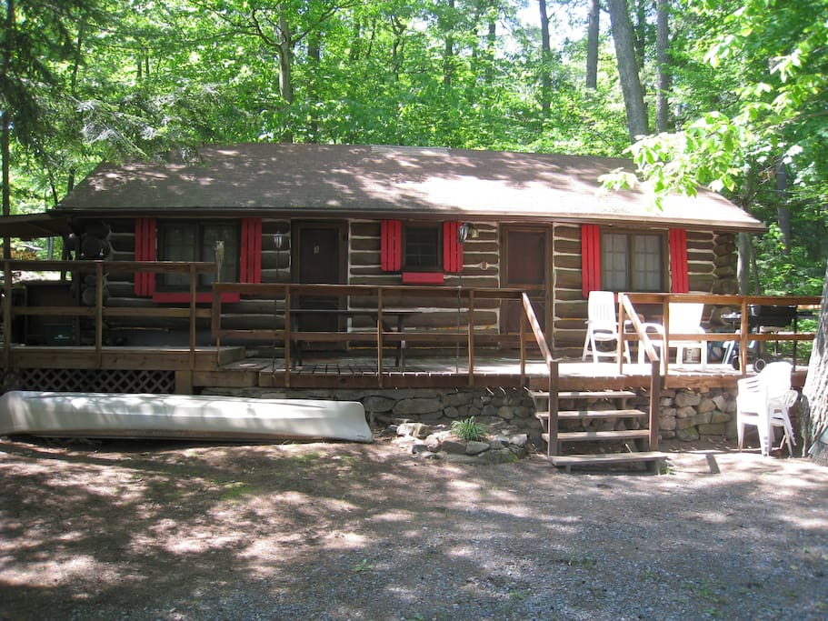 Rustic lake view cabin lake george cabins for rent in for New york cabin