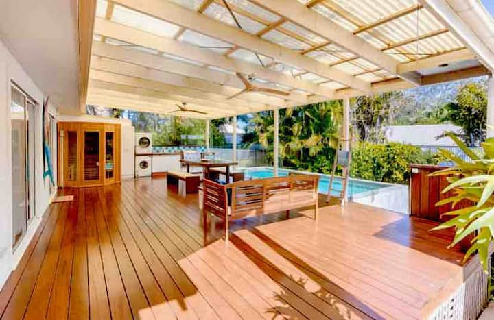 Aloha Retreat Central Coolum, Sauna/Pool, Pets