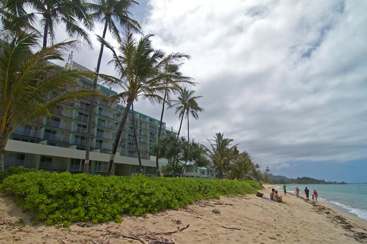 It's on the beach! - Hauula - Apartemen