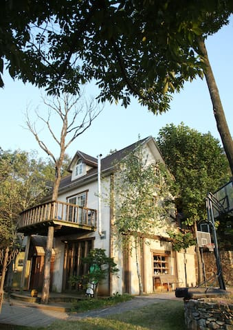country house in wooded grounds. - Jinwi-myeon, Pyeongtaek - Villa