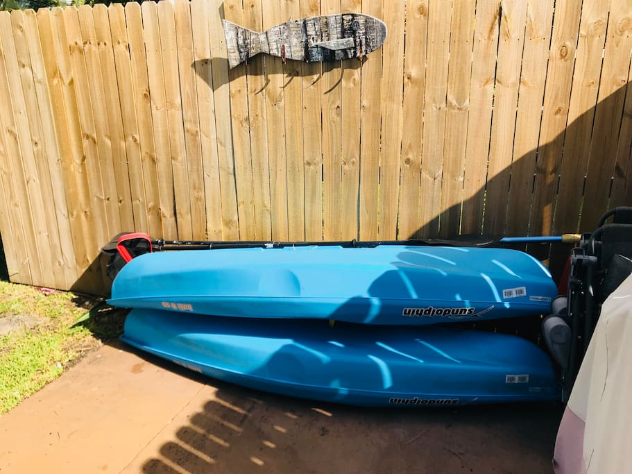 Two Kayaks available to explore the canals around Wilton Manors next to full size gas grill for outdoor cooking