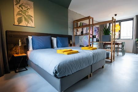 B&B Almere Duin, Amsterdam area, free parking