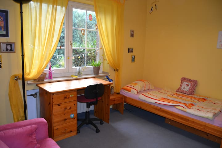 Cosy Room near Cologne and Aachen - Merzenich