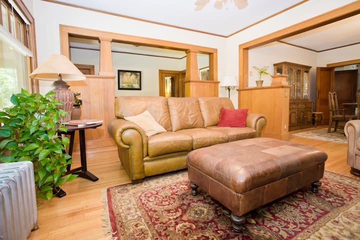 Classic Craftsman Bungalow - Private Bed & Bath