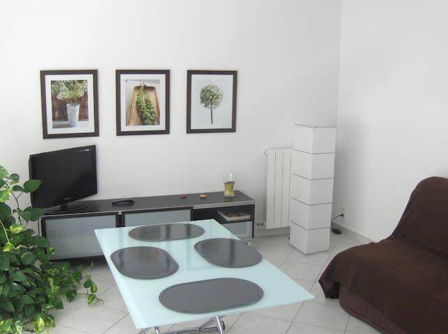 PUJAUT (8km Avignon)appart 4couch  - Pujaut - Apartment