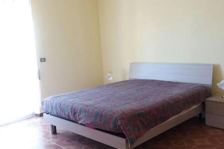 Appartamento 6 posti letto, Vasto città,parcheggio - Vasto - Apartment