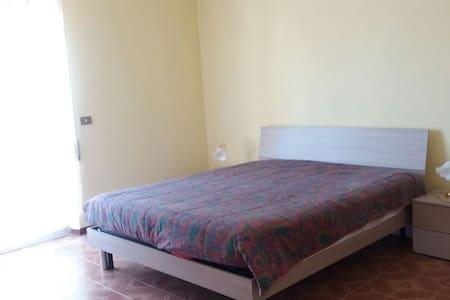 Appartamento 6 posti letto, Vasto città,parcheggio - Vasto - Huoneisto
