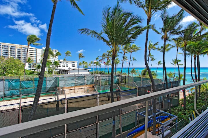Ocean and Diamond Head Views - Colony Surf #308!
